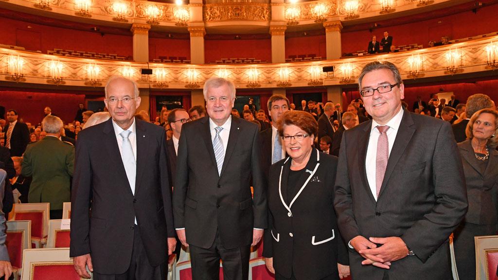 Das Grosse Doppeljubilaum Bayern Feiern Freistaat Und Verfassung